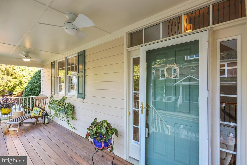 Pictureque front porch with ceiling fans - 121 TREEHAVEN ST, GAITHERSBURG