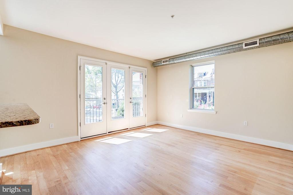 Juliette balcony doors in living room. - 2201 2ND ST NW #21, WASHINGTON