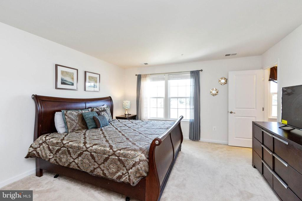 Huge Master Bedroom - 5925 SHEPHERD LN, FREDERICK