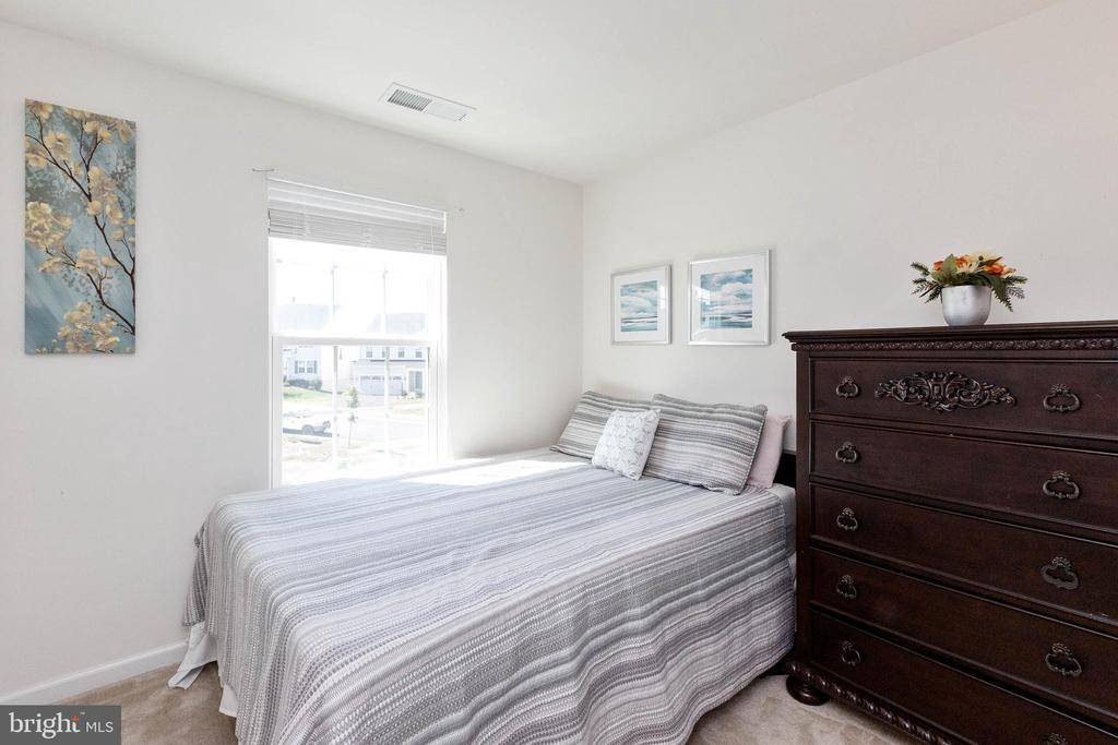 Second bedroom - 5925 SHEPHERD LN, FREDERICK