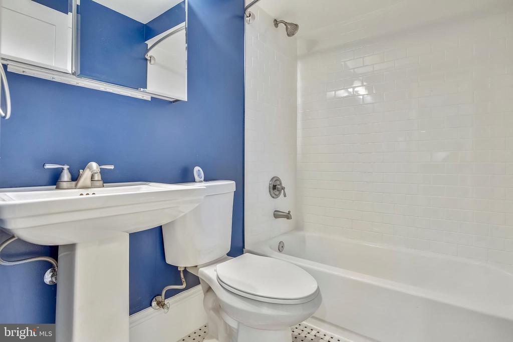Basement Bathroom - 123 11TH ST SE, WASHINGTON