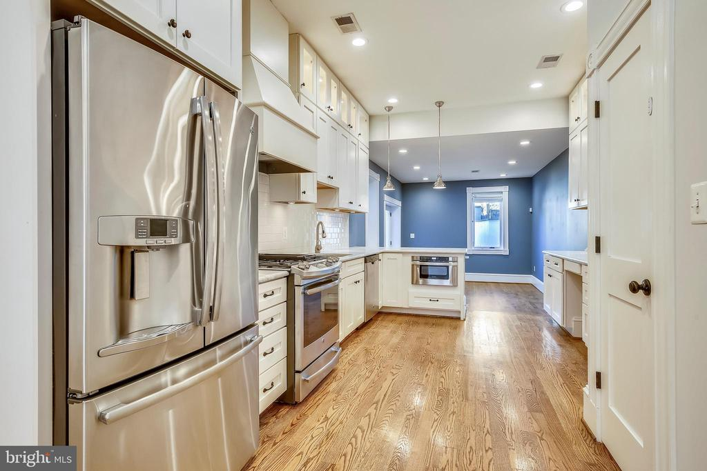 Kitchen - 123 11TH ST SE, WASHINGTON
