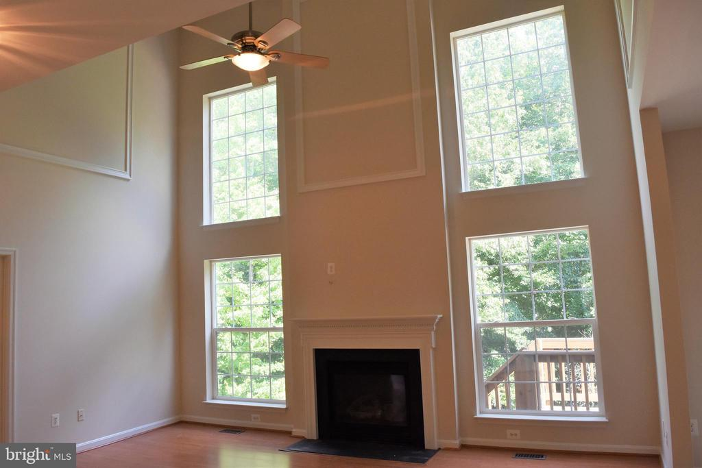 Vacant View of Family Room - 30 NEABSCO DR, FREDERICKSBURG