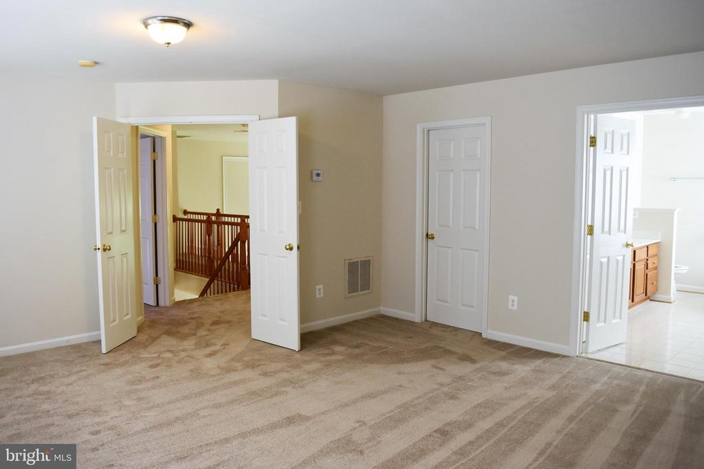 Vacant View of Master Bedroom - 30 NEABSCO DR, FREDERICKSBURG