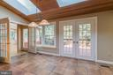 Eat-in kitchen leads into sunroom - 3276 HISTORY DR, OAKTON