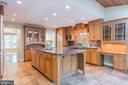 Country kitchen with six burner Decor range - 3276 HISTORY DR, OAKTON