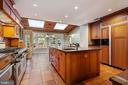 Lots of storage and counter space - 3276 HISTORY DR, OAKTON