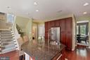 Large island offers room to cook and entertain - 23337 MORNING WALK DR, BRAMBLETON