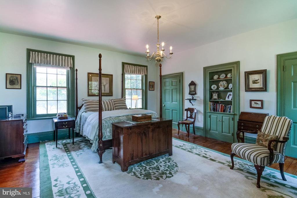 Master Bedroom with two closets and built-ins - 7508 BELMONT RD, SPOTSYLVANIA