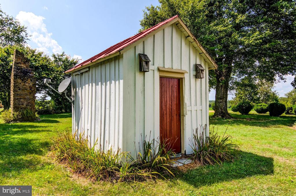 Old pump house - 7508 BELMONT RD, SPOTSYLVANIA