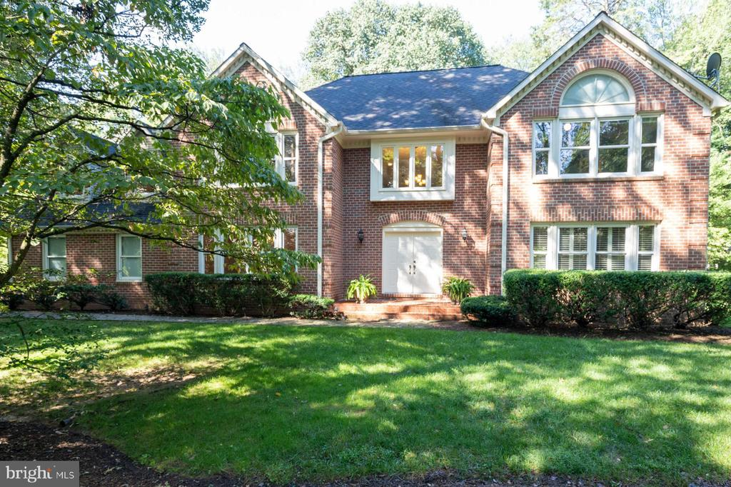 Welcome to 3276 History Drive - 3276 HISTORY DR, OAKTON