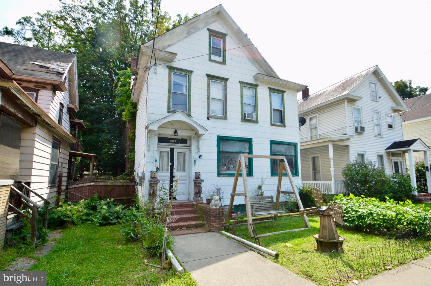 Duplex Homes for Sale at East Stroudsburg, Pennsylvania 18301 United States