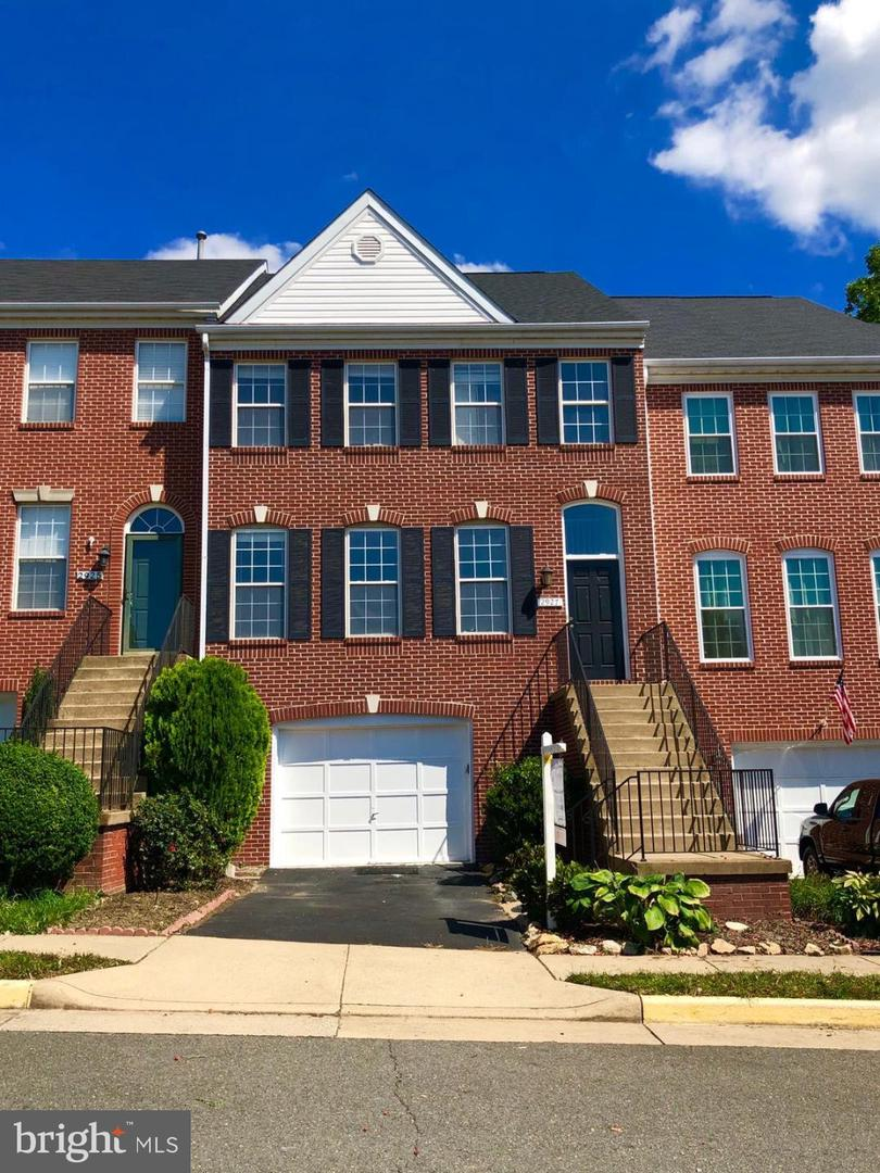 Photo of 2927 MAINSTONE DR, FAIRFAX, VA 22031