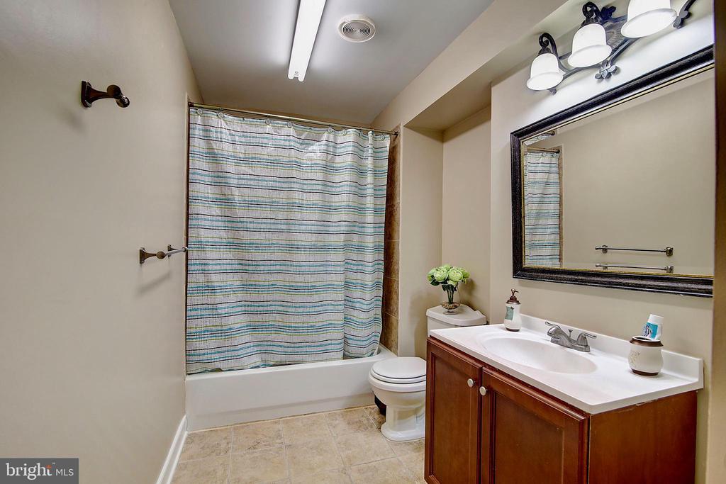 Basement Full Bath - 44247 OLDETOWNE PL, ASHBURN