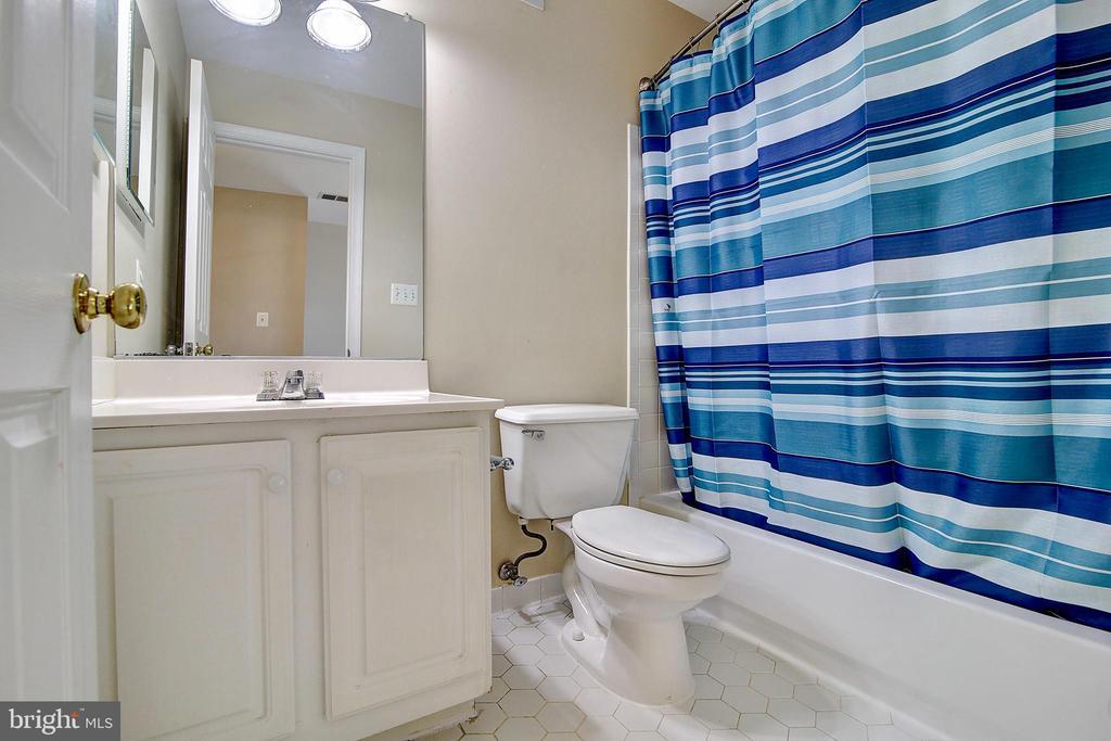 3rd Bath 2nd Floor - 44247 OLDETOWNE PL, ASHBURN