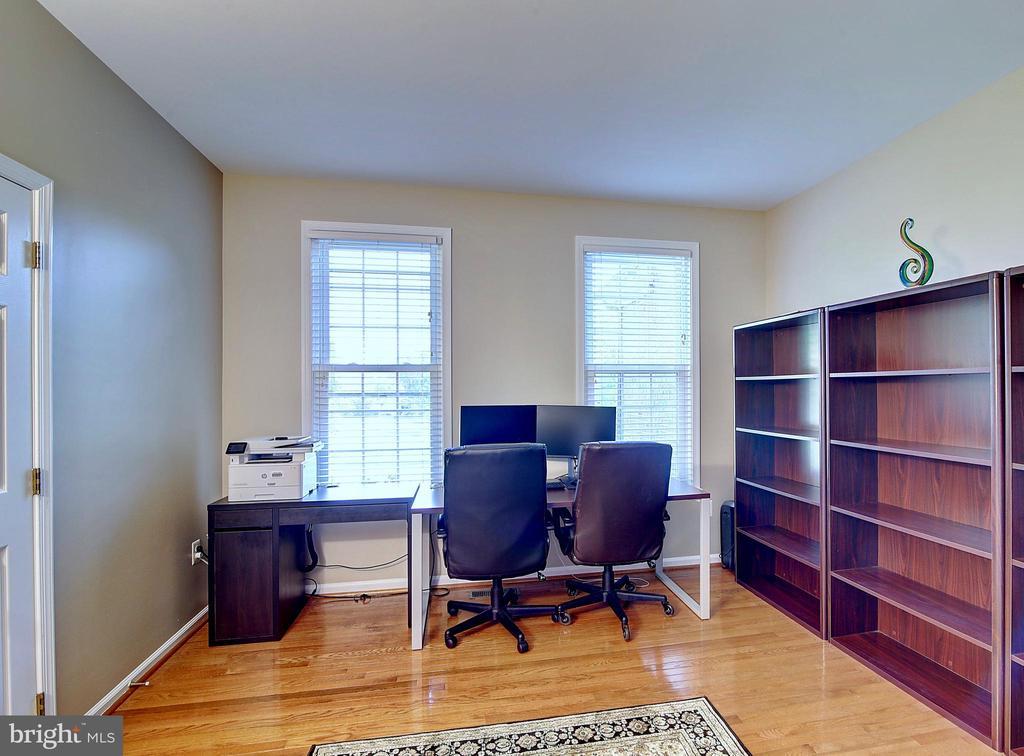 First Floor Bedroom or Office - 44247 OLDETOWNE PL, ASHBURN