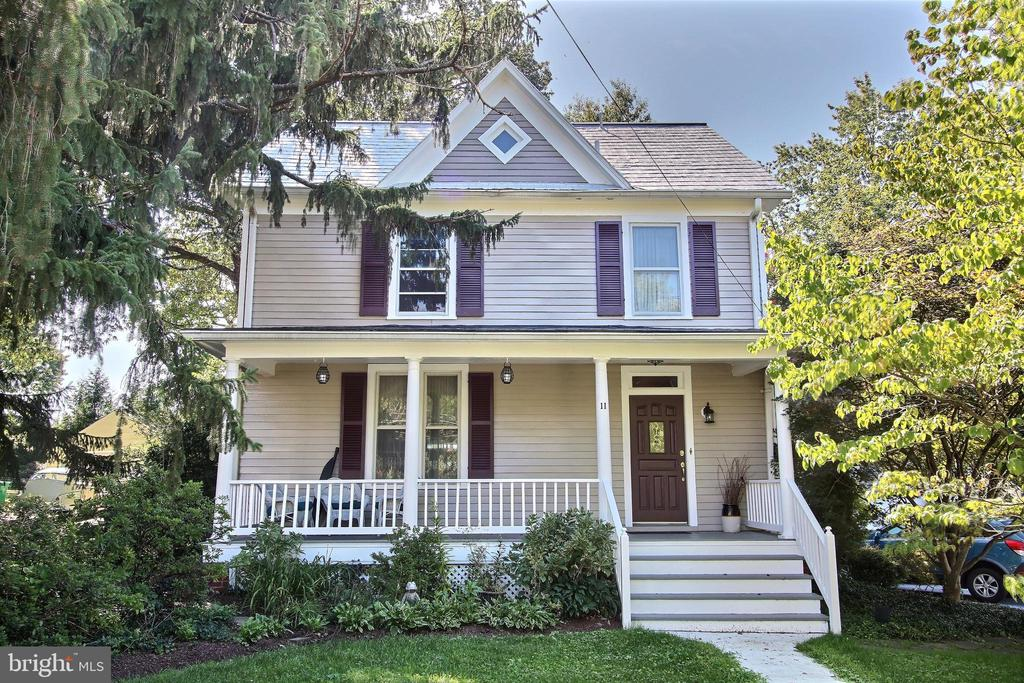 Front of house - 11 BROOKES AVE, GAITHERSBURG