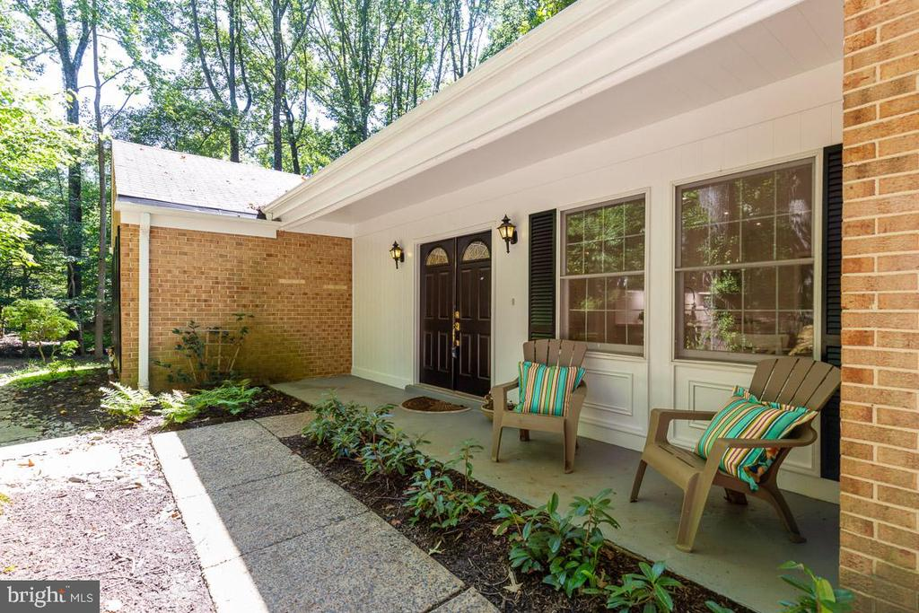 Welcoming front porch - 11715 BLUE SMOKE TRL, RESTON