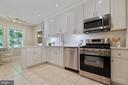 Dream kitchen for cooking! - 11715 BLUE SMOKE TRL, RESTON