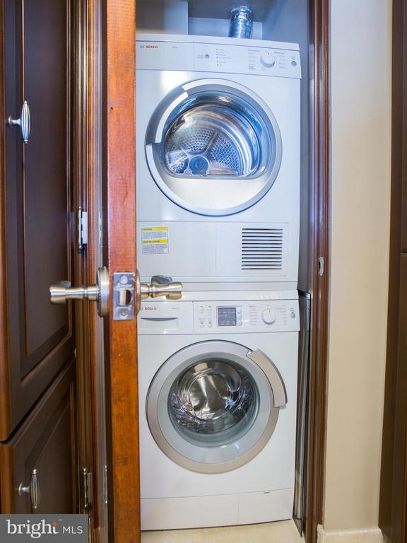 In-Unit Bosch Washer and Dryer - 601 PENNSYLVANIA AVE NW #1003N, WASHINGTON