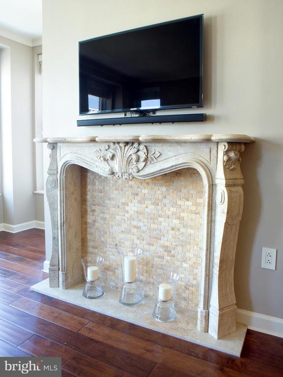 Antique Travertine Mantle and Surround - 601 PENNSYLVANIA AVE NW #1003N, WASHINGTON
