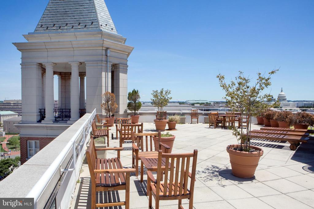 Residential Roof Deck Overview East - 601 PENNSYLVANIA AVE NW #1003N, WASHINGTON