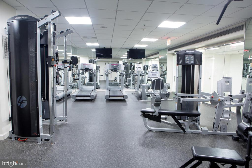 Well Equipped Exercise Room Accessible 24/7 - 601 PENNSYLVANIA AVE NW #1003N, WASHINGTON