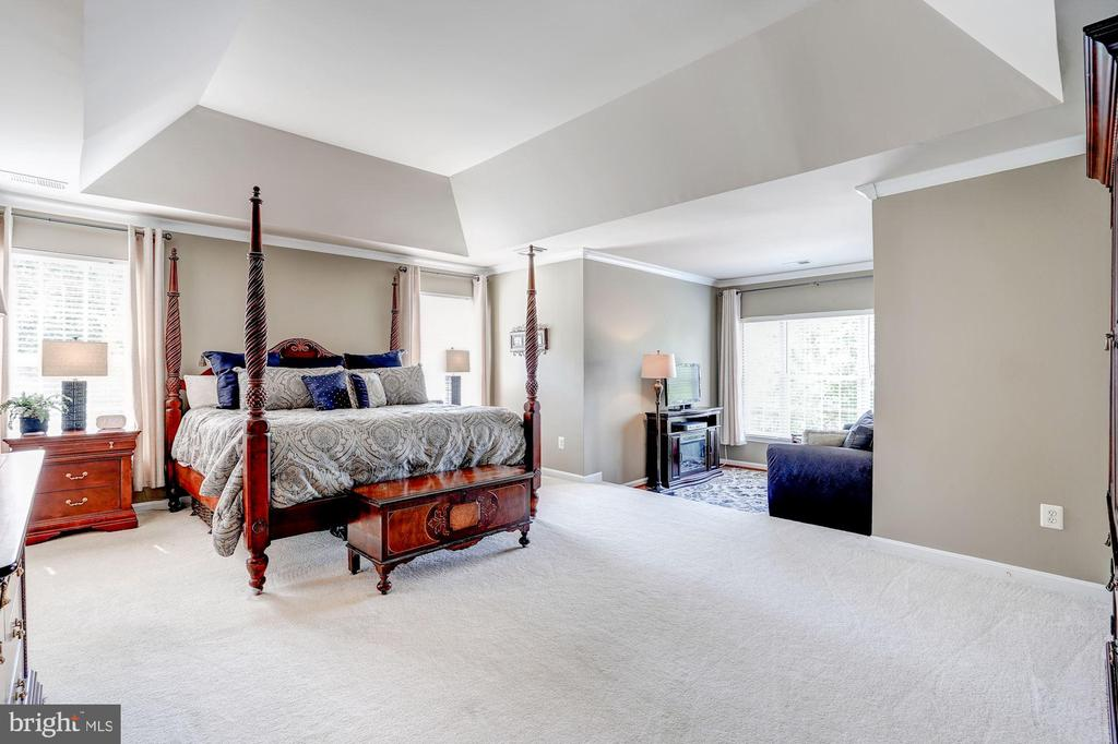 Spacious Owner's Suite - 43130 KIMBERLEY CT, LEESBURG