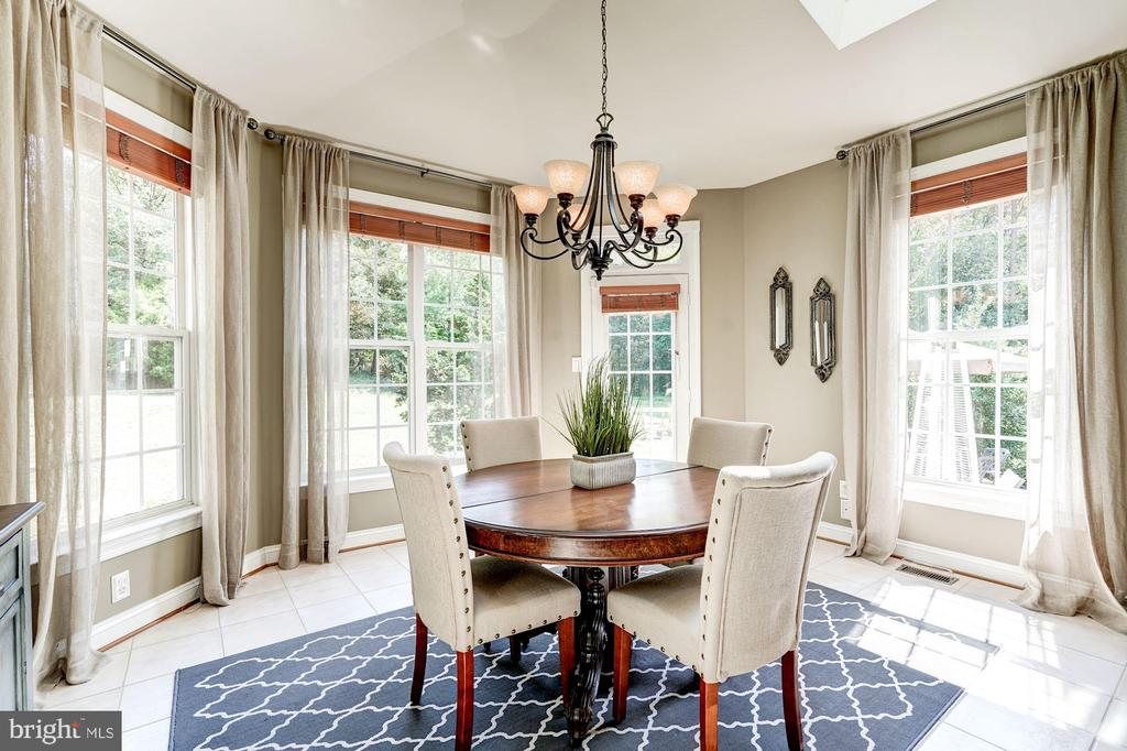 Large Breakfast Room - 43130 KIMBERLEY CT, LEESBURG
