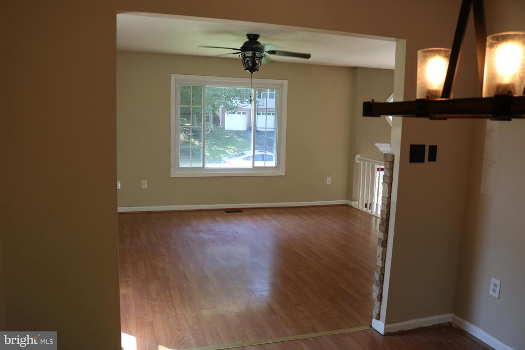 Dining room looking to living room - 49 MEADOWOOD DR, STAFFORD