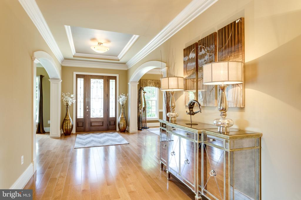 Spacious Foyer to Welcome Guests - 2479 OAKTON HILLS DR, OAKTON