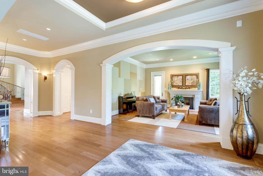 Hardwood Flooring Throughout Main Level - 2479 OAKTON HILLS DR, OAKTON
