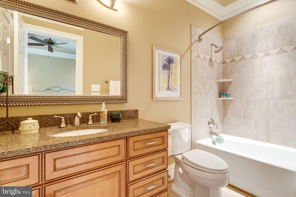 Hansome Vanities & Tilework in All Baths - 2479 OAKTON HILLS DR, OAKTON