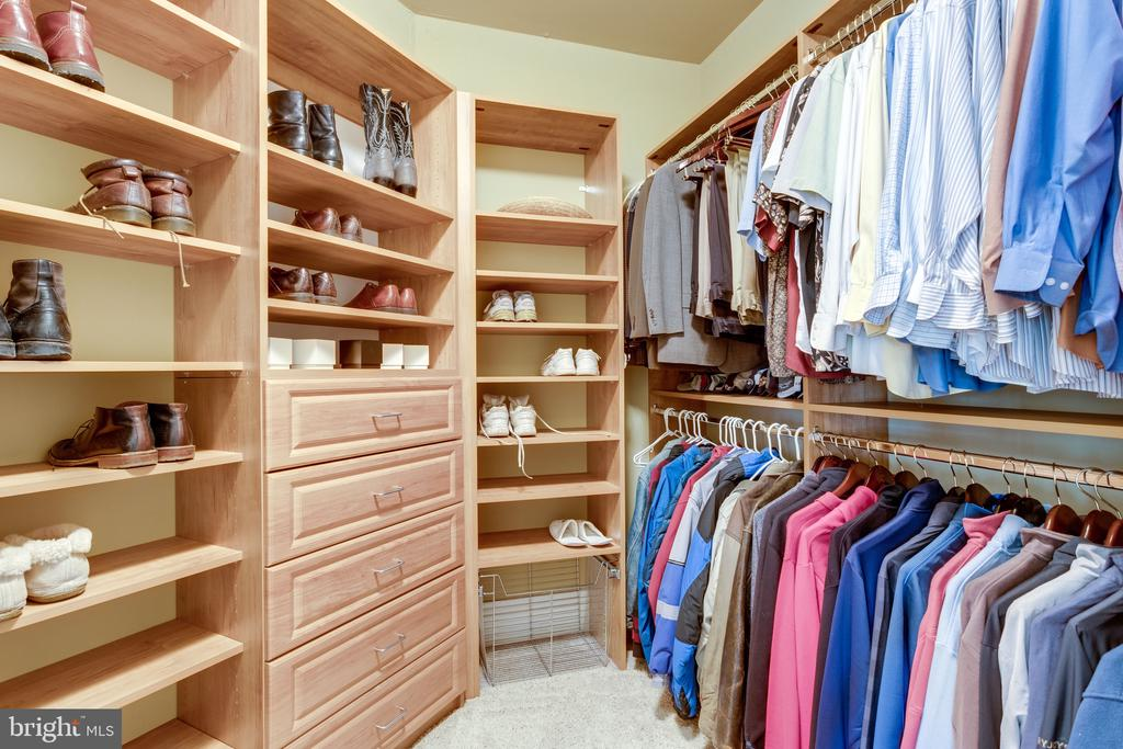Plenty of Closet Space - 2479 OAKTON HILLS DR, OAKTON