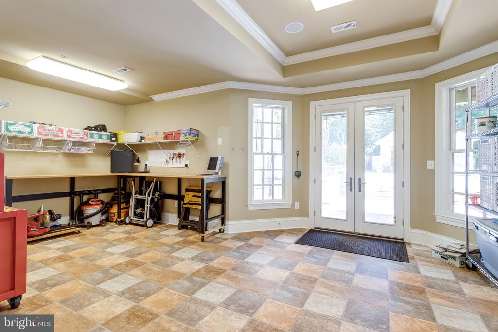 Workroom/Hobby Room w Patio Access - 2479 OAKTON HILLS DR, OAKTON