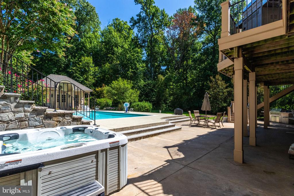 Melt Your Cares Away in the Hot Tub - 2479 OAKTON HILLS DR, OAKTON