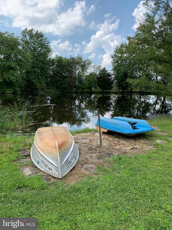 Boating and Paddle Boating on the Pond - 13452 HARPERS FERRY RD, HILLSBORO