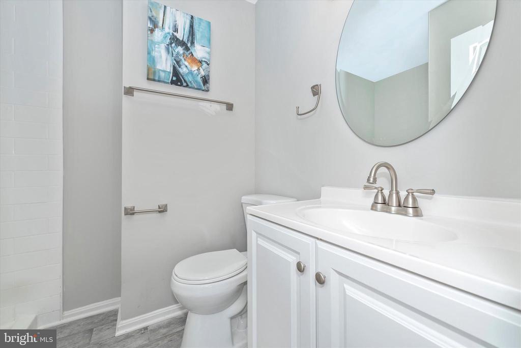 Master Bathroom - 8829 WHIMSEY CT, WALKERSVILLE
