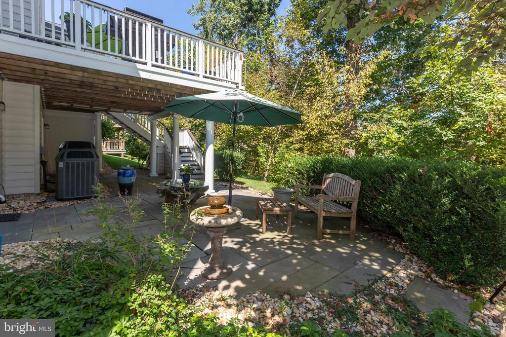 Rear of House with Deck and Patio - 43046 WATERS OVERLOOK CT, LEESBURG