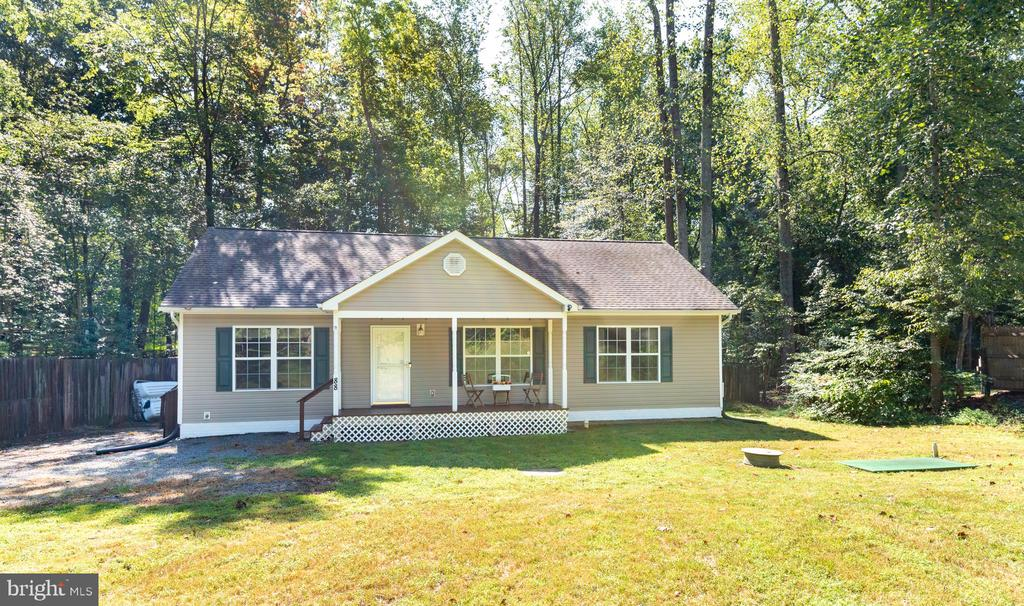 Beautiful rambler on 1/2 acre - 88 BOUNDARY DR, STAFFORD