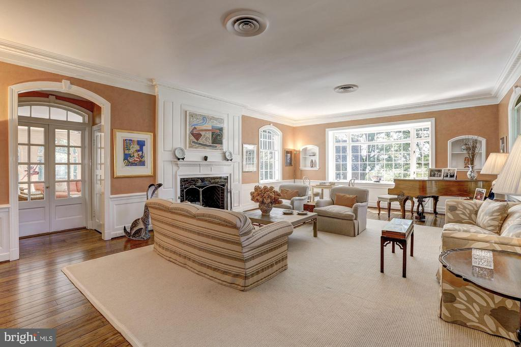 Living Room - 6405 SHADOW RD, CHEVY CHASE