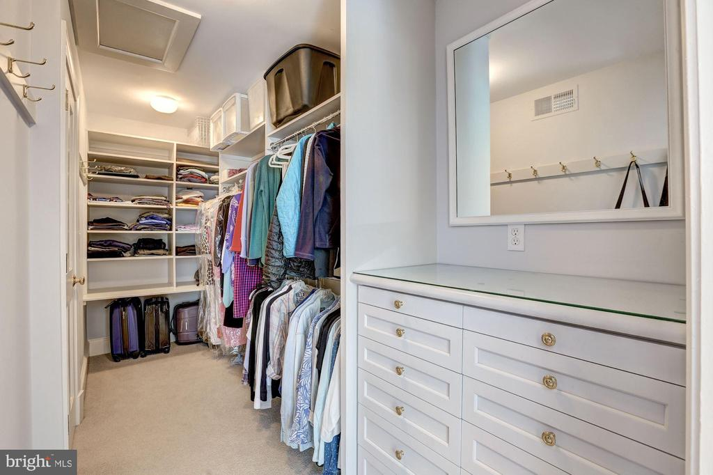 Master Walk-In Closet - 6405 SHADOW RD, CHEVY CHASE