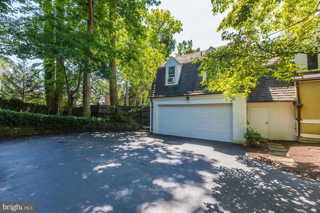 Driveway and Garage - 6405 SHADOW RD, CHEVY CHASE