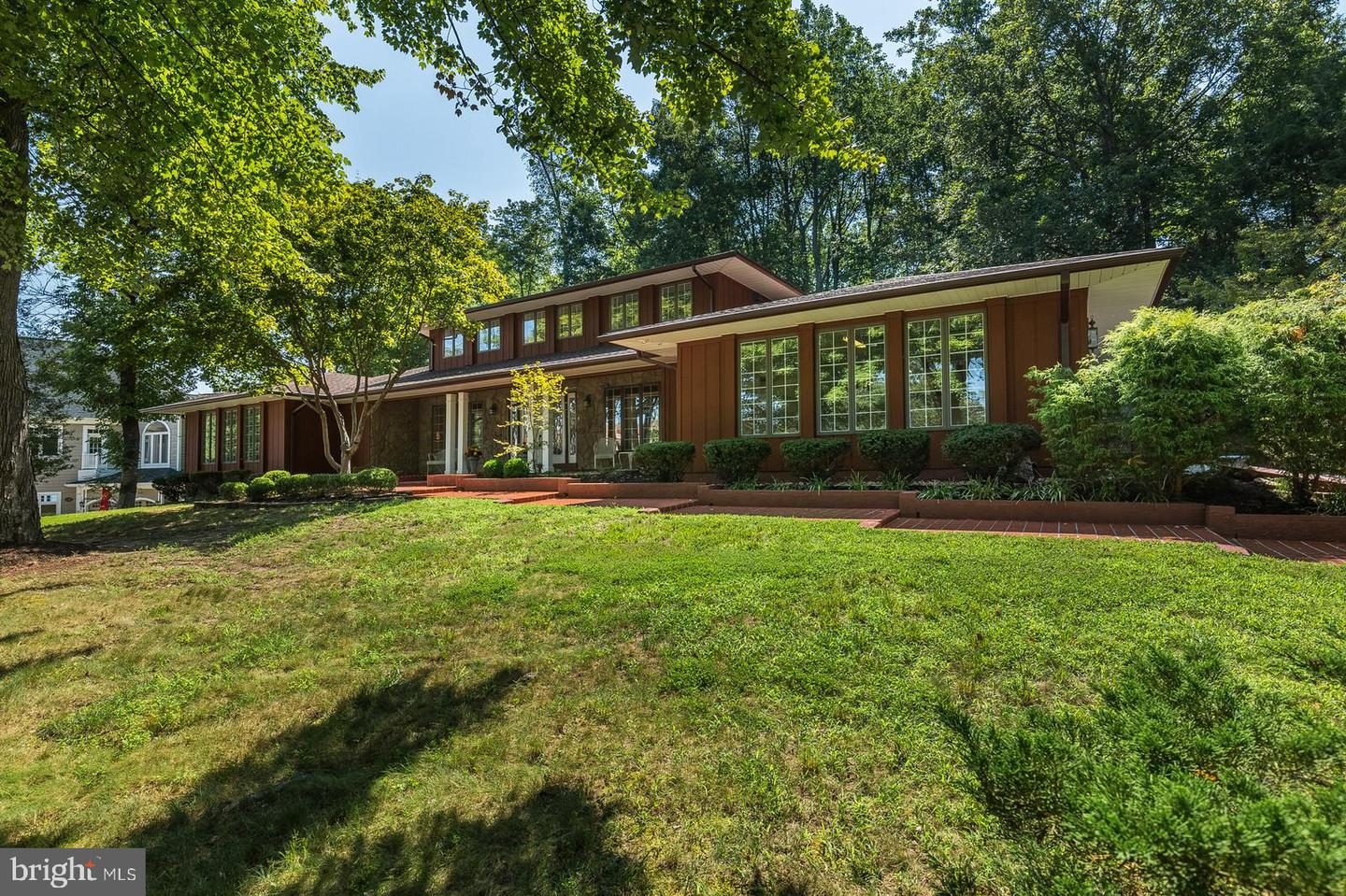 Single Family Homes for Sale at Triangle, Virginia 22172 United States
