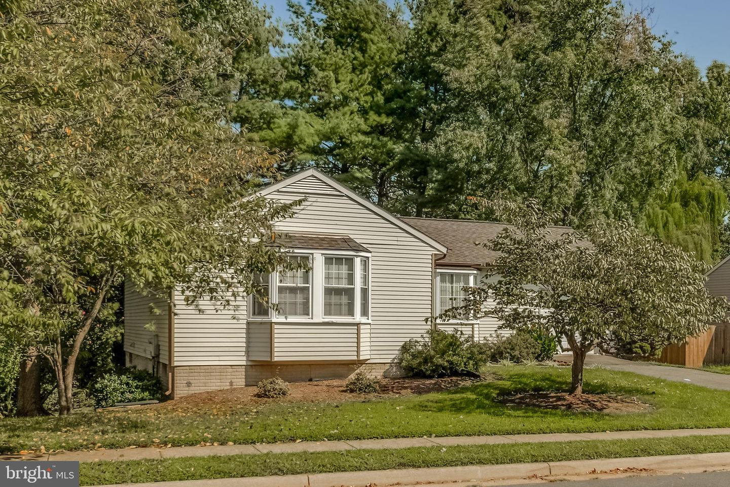 Photo of 1417 KINGSTREAM DR, HERNDON, VA 20170