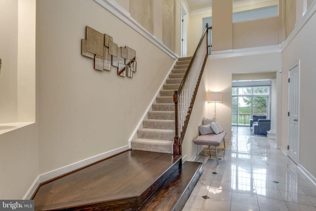 Two story entry foyer - 20456 TAPPAHANNOCK PL, STERLING