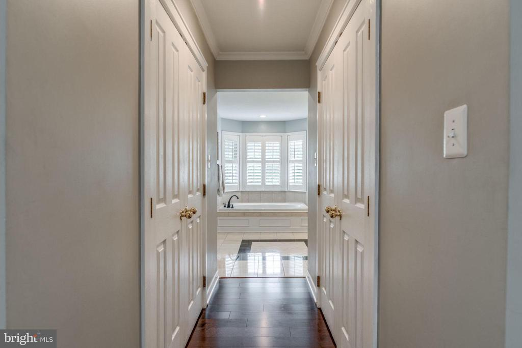 Master his and hers closets - 20456 TAPPAHANNOCK PL, STERLING