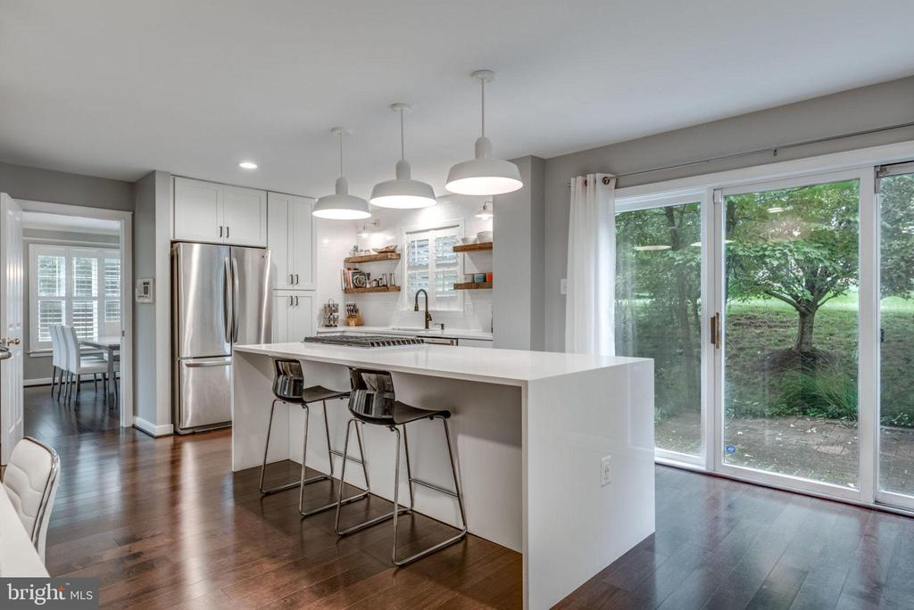 Remodeled kitchen w waterfall center island - 20456 TAPPAHANNOCK PL, STERLING