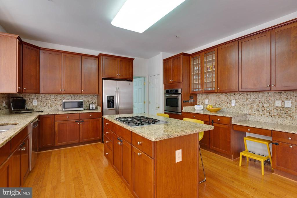 Kitchen - 14111 PUNCH ST, SILVER SPRING