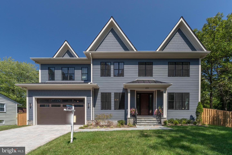 Single Family Homes för Försäljning vid Vienna, Virginia 22180 Förenta staterna